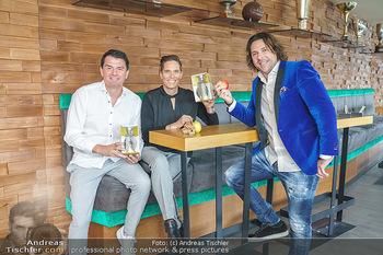 Dorfmeister Gin Präsentation - Weststadtion, Wien - Do 08.04.2021 - Thomas LERCH, Michaela DORFMEISTER, Patrick MARCHL mit neuer Ric18