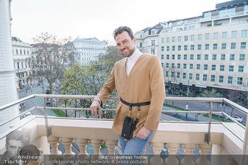 Fotoshooting Elina Garancia - The Ritz Carlton Vienna, Wien - Fr 09.04.2021 - Mode Designer Niko NIKO3