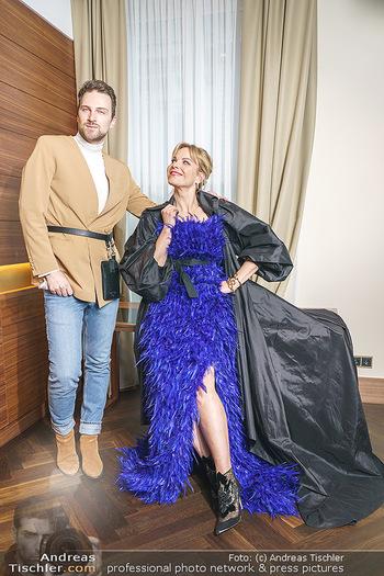 Fotoshooting Elina Garancia - The Ritz Carlton Vienna, Wien - Fr 09.04.2021 - Elina GARANCA, Mode Designer Niko NIKO15