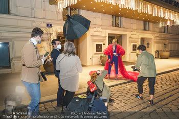 Fotoshooting Elina Garancia - The Ritz Carlton Vienna, Wien - Fr 09.04.2021 - Fotoshooting Set um Elina GARANCA49