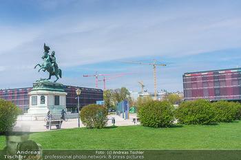 Lokalaugenschein Wien - Wien - Mo 12.04.2021 - Pavillon Parlament Baustelle Hintergrund, Ausweichquartier, Held12