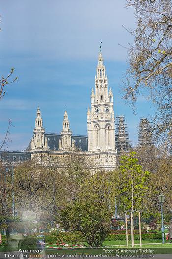 Lokalaugenschein Wien - Wien - Mo 12.04.2021 - Rathaus Wien vom Park aus gesehen15