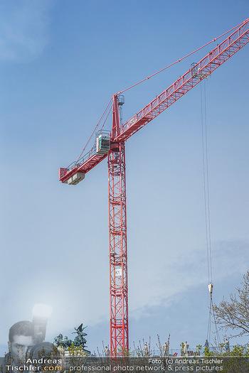 Lokalaugenschein Wien - Wien - Mo 12.04.2021 - Baustelle des neuen Parlaments mit Bau Kränen, Baukran18