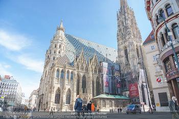 Lokalaugenschein Wien - Wien - Mo 12.04.2021 - Polizei vor Stephansdom während LockDown am Stephansplatz40