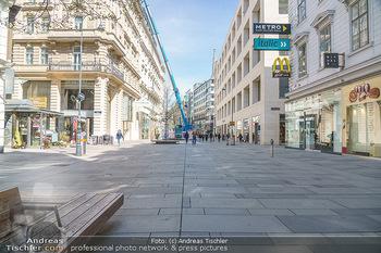 Lokalaugenschein Wien - Wien - Mo 12.04.2021 - Kärntnerstraße menschenleer während Corona Lock Down, niemand51