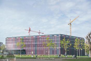 Lokalaugenschein Wien - Wien - Mo 12.04.2021 - Pavillon Parlament Baustelle Hintergrund, Ausweichquartier, Held60
