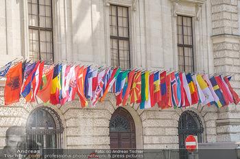 Lokalaugenschein Wien - Wien - Mo 12.04.2021 - Hofburg Flaggen, Internationalität international, Fahnen, osze,62
