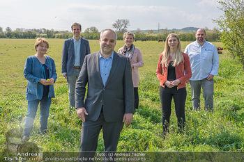 PK ´Die Natur schmecken´ - Seehof, Donnerskirchen - Mi 21.04.2021 - Gruppenfoto Matthias GRÜN und PK Teilnehmer30