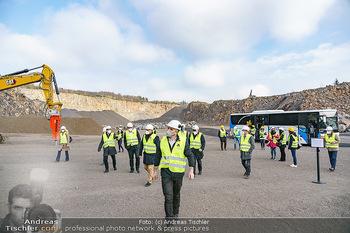 Esterhazy Bergbau PK - Steinbruch Pauliberg, Burgenland - Di 27.04.2021 - Ankunft der Teilnehmer im Steinbruch mit Bus17