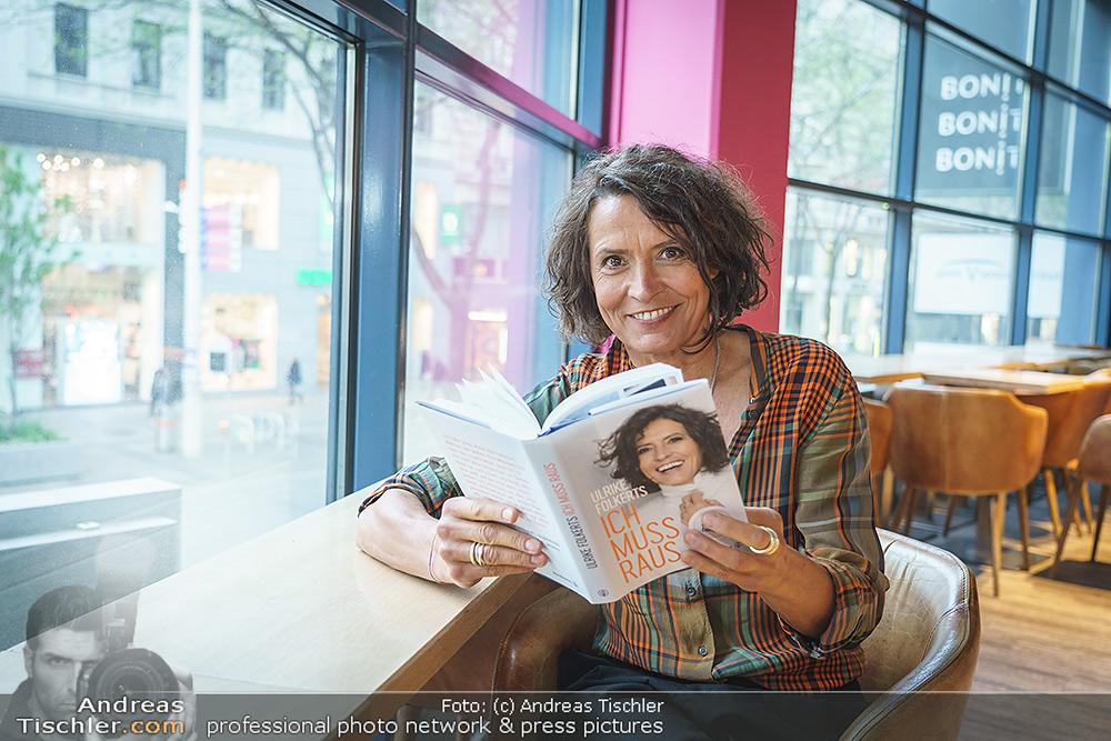 Ulrike Folkerts Buchpräsentation - 2021-05-05 - Thalia Wien