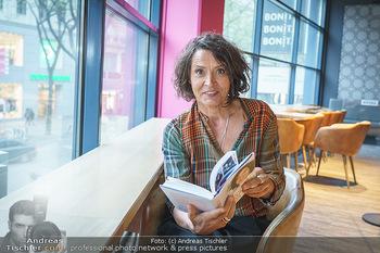 Ulrike Folkerts Buchpräsentation - Thalia Wien - Mi 05.05.2021 - Ulrike FOLKERTS4