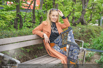 Interview mit Lilian Klebow - Weghuberpark, Wien - Do 06.05.2021 - Lilian Billie KLEBOW (Portrait)17