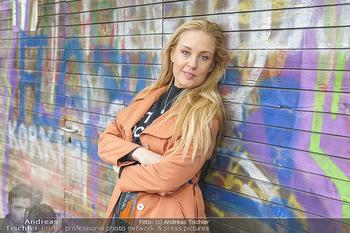 Interview mit Lilian Klebow - Weghuberpark, Wien - Do 06.05.2021 - Lilian Billie KLEBOW (Portrait)19