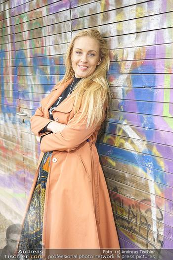 Interview mit Lilian Klebow - Weghuberpark, Wien - Do 06.05.2021 - Lilian Billie KLEBOW (Portrait)21