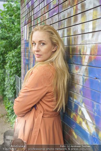 Interview mit Lilian Klebow - Weghuberpark, Wien - Do 06.05.2021 - Lilian Billie KLEBOW (Portrait)22
