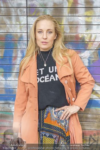 Interview mit Lilian Klebow - Weghuberpark, Wien - Do 06.05.2021 - Lilian Billie KLEBOW (Portrait)23