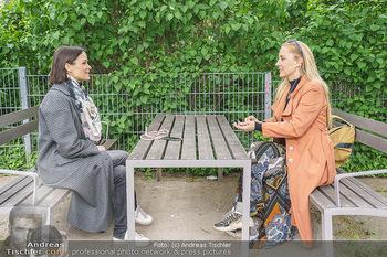 Interview mit Lilian Klebow - Weghuberpark, Wien - Do 06.05.2021 - Lilian Billie KLEBOW, Romina COLERUS27