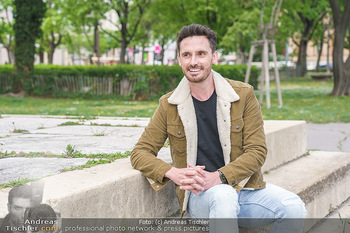 Interview mit James Cottrial - Votivpark, Wien - Do 06.05.2021 - James COTTRIAL6