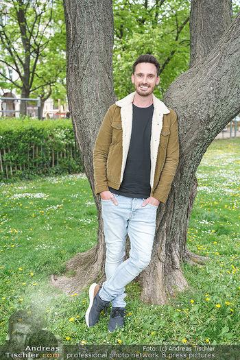Interview mit James Cottrial - Votivpark, Wien - Do 06.05.2021 - James COTTRIAL9