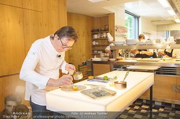 Corona Gastro Re-Opening - Steirereck - Mi 19.05.2021 - Heinz REITBAUER in der Küche17