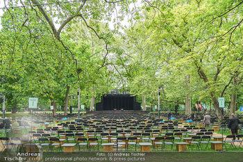 Harald Schmidt und Michael Niavarani - Theater im Park am Belvedere, Wien - Fr 21.05.2021 - Publikumsbereich, Sitze, Zuschauerplätze corona-konform, Bühne14