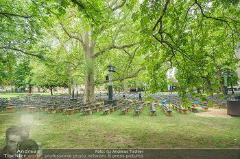 Harald Schmidt und Michael Niavarani - Theater im Park am Belvedere, Wien - Fr 21.05.2021 - Publikumsbereich, Sitze, Zuschauerplätze corona-konform, Bühne30