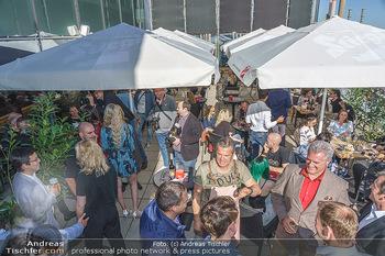 Austrian Pub Opening - Gasometer Eco Center, Wien - Mi 26.05.2021 - Gäste auf der Terrasse31