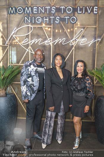 DaRose Vienna Opening - DaRose Restaurant, Wien - Do 27.05.2021 - Familie Rose ALABA mit Eltern George und Gina ALABA34