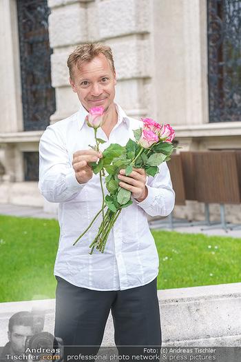 Ladies Night Promo-Aktion - Burgtheater, Volksgarten - Fr 28.05.2021 - Christoph VON FRIEDL10