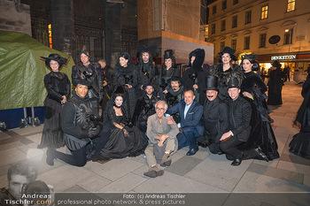 Austria for Life - Stephansplatz, Wien - Fr 28.05.2021 - Gruppenfoto mit Prominenten Teilnehmern um Gery KESZLER1