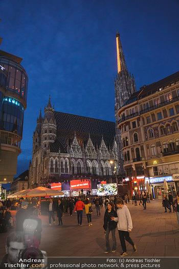 Austria for Life - Stephansplatz, Wien - Fr 28.05.2021 - Stephansdom mit Himmelsleiter beleuchtet, Stephansplatz4