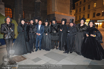 Austria for Life - Stephansplatz, Wien - Fr 28.05.2021 - Gruppenfoto mit Prominenten Teilnehmern um Gery KESZLER12