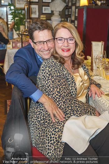 Verleihung Goldener Spargel - Marchfelderhof - Mo 31.05.2021 - Gabriela BENESCH, Erich FURRER10
