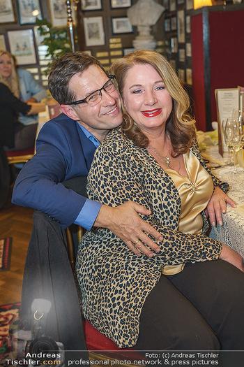 Verleihung Goldener Spargel - Marchfelderhof - Mo 31.05.2021 - Gabriela BENESCH, Erich FURRER12