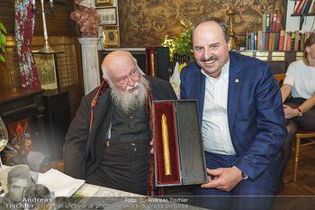 Verleihung Goldener Spargel - Marchfelderhof - Mo 31.05.2021 - Hermann NITSCH, Johann LAFER28