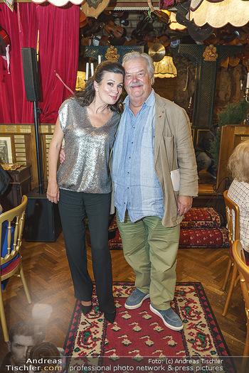 Verleihung Goldener Spargel - Marchfelderhof - Mo 31.05.2021 - Barbara HELFGOTT, Gerhard ERNST34