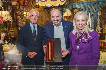 Verleihung Goldener Spargel - Marchfelderhof - Mo 31.05.2021 - Martina und Werner FASSLABEND, Johann LAFER38