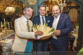 Verleihung Goldener Spargel - Marchfelderhof - Mo 31.05.2021 - Peter GROSSMANN, Johann LAFER, Manfred BUCHINGER mit Marchfeldsp49