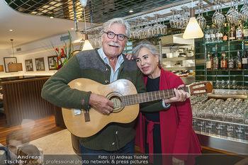 Wiedereröffnung - Huth Gastwirtschaft - Mo 31.05.2021 - Brigitte KARNER, Peter SIMONISCHEK1