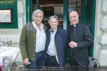 Wiedereröffnung - Huth Gastwirtschaft - Mo 31.05.2021 - Peter SIMONISCHEK, Friedrich ORTER, Toni Anton FABER19