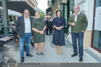 Wiedereröffnung - Huth Gastwirtschaft - Mo 31.05.2021 - Elisabeth KÖSTINGER, Gabriele und Robert HUTH, Peter SIMONISCHE38