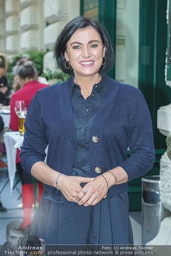 Wiedereröffnung - Huth Gastwirtschaft - Mo 31.05.2021 - Elisabeth KÖSTINGER (Portrait)42