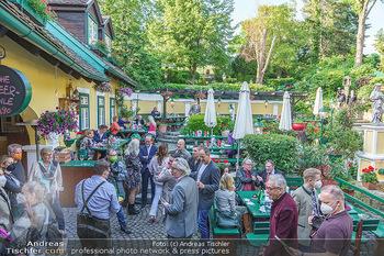 Buchpräsentation Mucha & Sommer - Schreiberhaus - Di 01.06.2021 - Heurigenlokal Innenhof, Schanigarten, Gemütlichkeit20