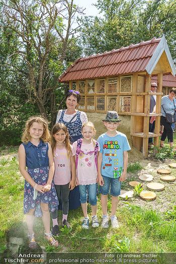 Wildbienen Hotel Eröffnung - Seehof, Donnerskirchen - Sa 05.06.2021 - Kinder haben Teile des Insektenhotels in der Schule gebaut21