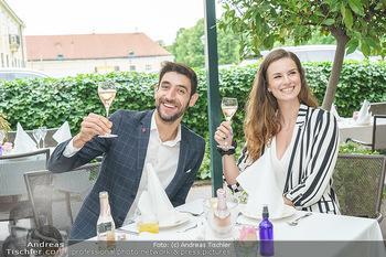 Sissi´s Royal Brunch - Cafe Schönbrunn, Wien - So 06.06.2021 - Dimitar STEFANIN mit Freundin Johanna WEINSTICH15
