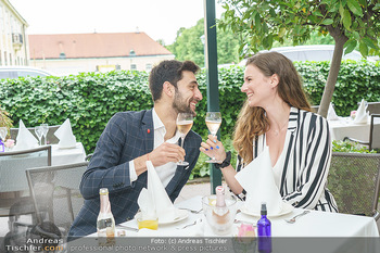 Sissi´s Royal Brunch - Cafe Schönbrunn, Wien - So 06.06.2021 - Dimitar STEFANIN mit Freundin Johanna WEINSTICH17
