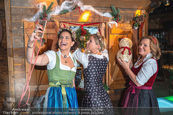 Fototermin 1. Wiener WinterWiesn - Bettelalm, Wien - Di 08.06.2021 - Sonja KATO-MAILATH, Kristina SPRENGER, Claudia WIESNER1