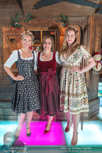 Fototermin 1. Wiener WinterWiesn - Bettelalm, Wien - Di 08.06.2021 - Kristina SPRENGER, Claudia WIESNER, Niki OSL2