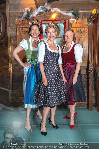 Fototermin 1. Wiener WinterWiesn - Bettelalm, Wien - Di 08.06.2021 - Sonja KATO-MAILATH, Kristina SPRENGER, Claudia WIESNER61