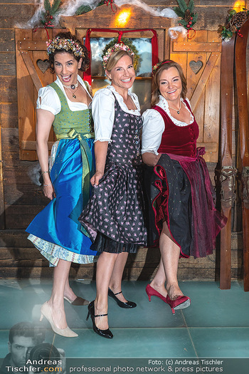 Fototermin 1. Wiener WinterWiesn - Bettelalm, Wien - Di 08.06.2021 - Sonja KATO-MAILATH, Kristina SPRENGER, Claudia WIESNER65